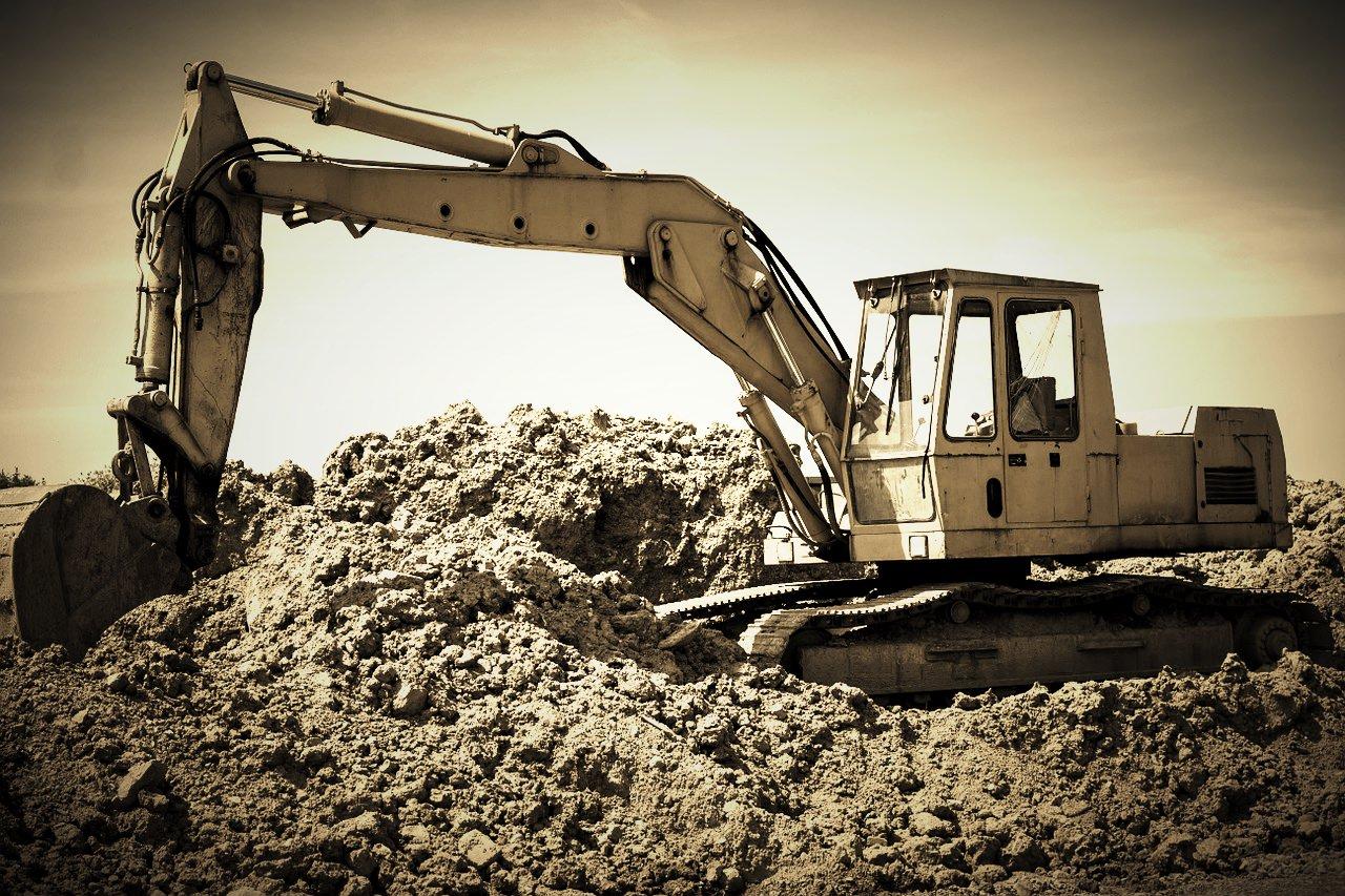 Billede af en gravemaskine for at understrege at jeg laver ændringer på bidblog