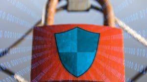 Hængelås der viser en beskyttet computer
